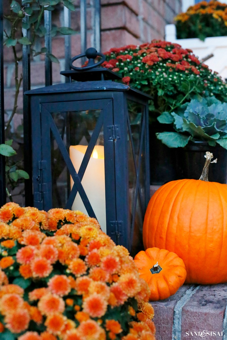 fall-decorating-lanterns-and-pumpkins