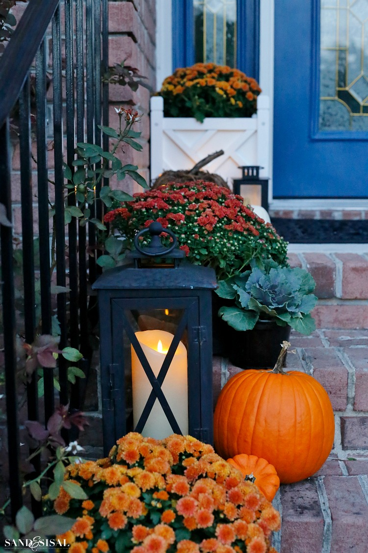 front-porch-fall-decorating