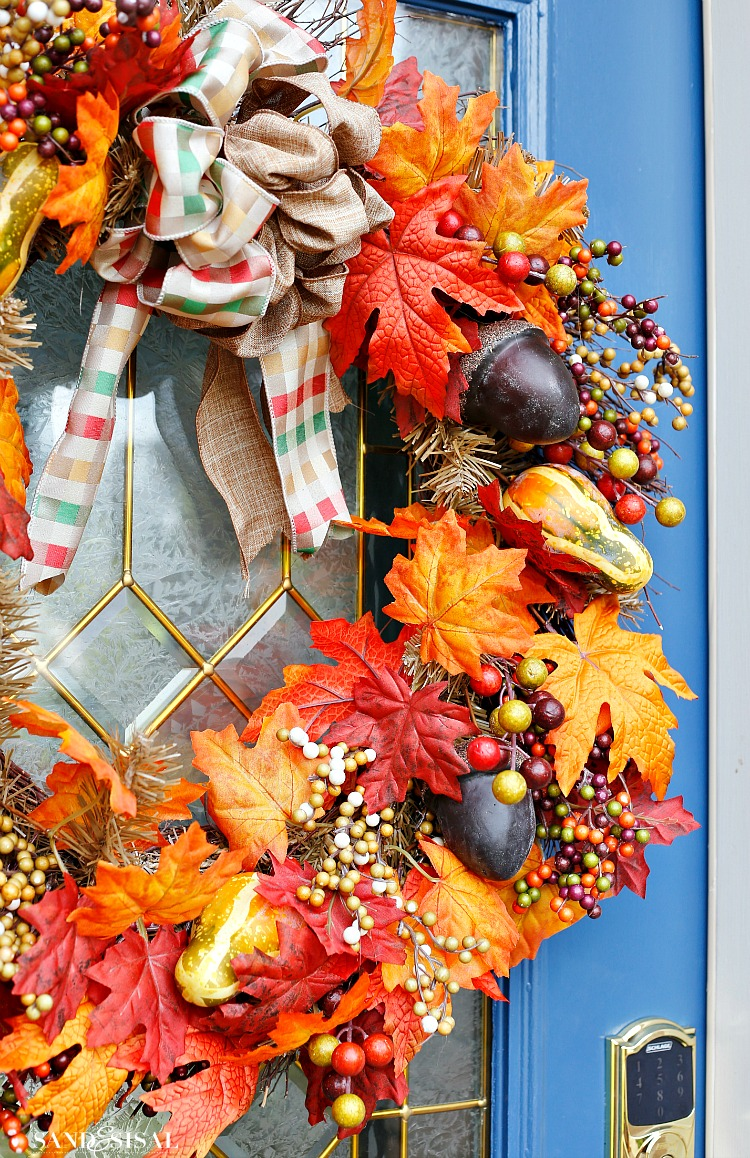 gorgeous-fall-acorn-wreath