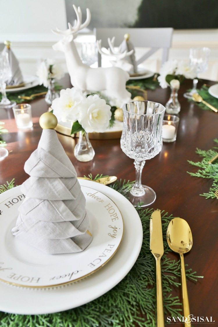 christmas-tree-napkin-fold-holiday-tablescape
