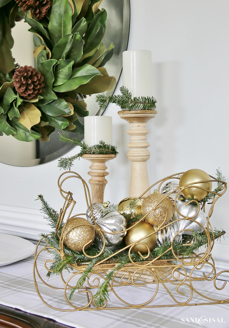 silver-and-gold-christmas-decor