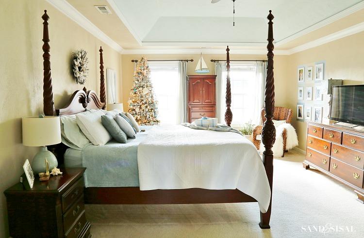 classic-coastal-master-bedroom