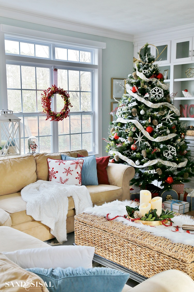 Winterberry Red White And Blue Christmas Family Room