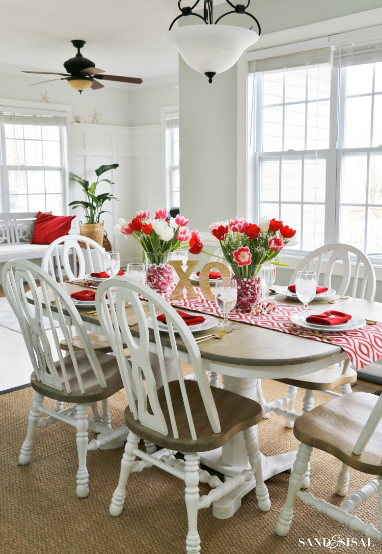 Red-White-and-Pink-Valentine-Tablescape