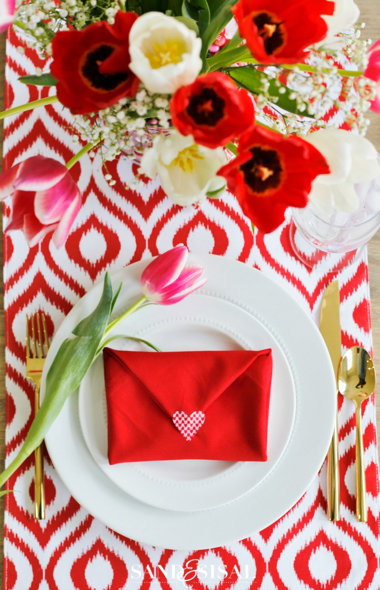 Valentine 39 s day table setting with envelope napkin fold for Table design for valentines day
