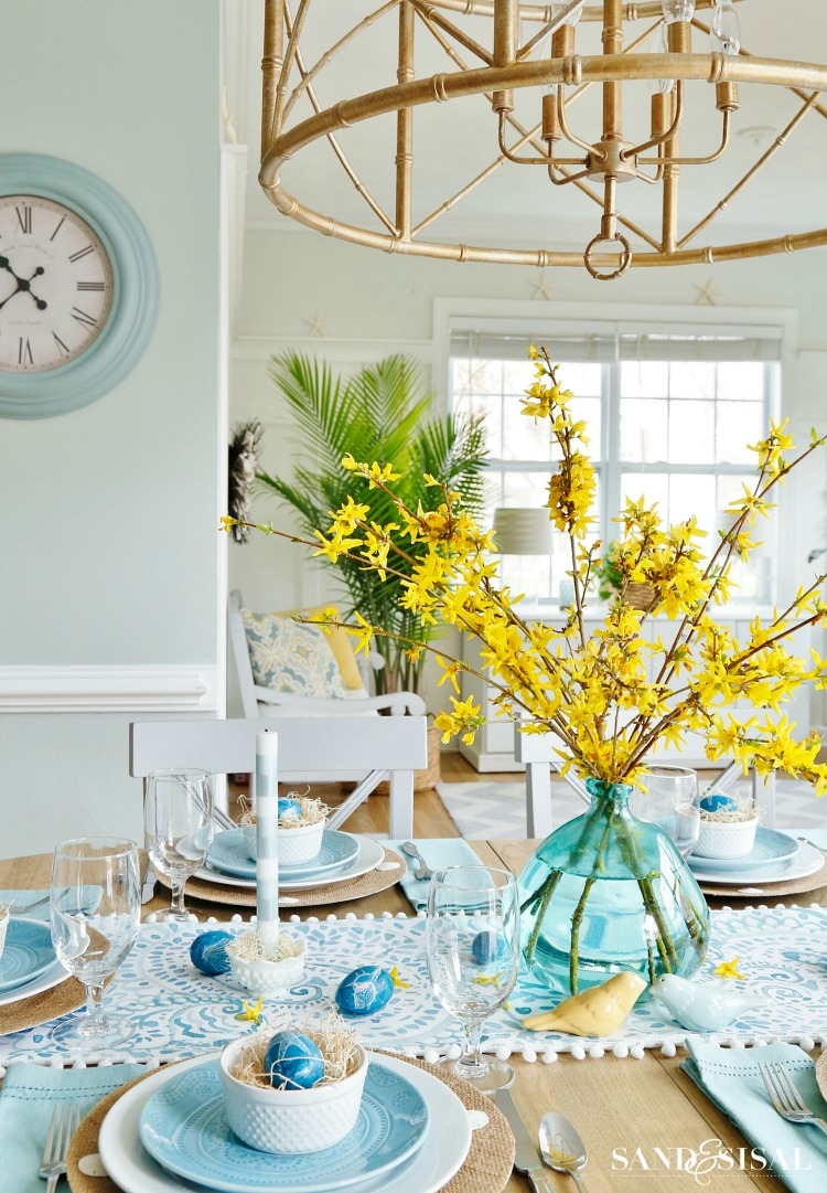 aqua-and-yellow-easter-tablesetting