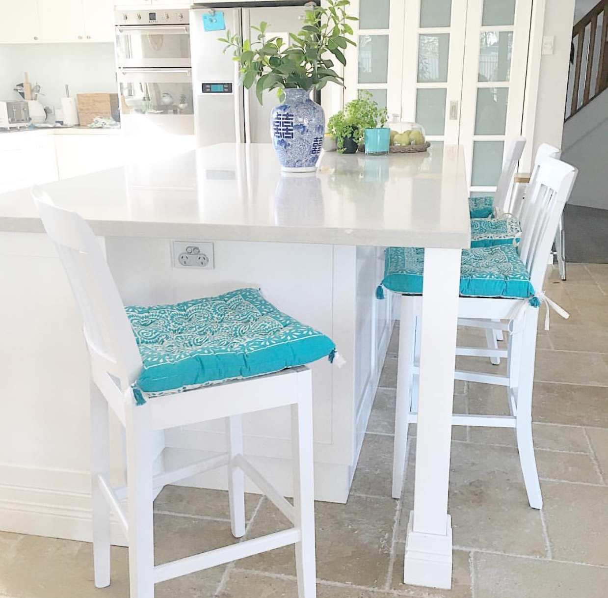 Coastal Kitchen - Travertine Tile Floors