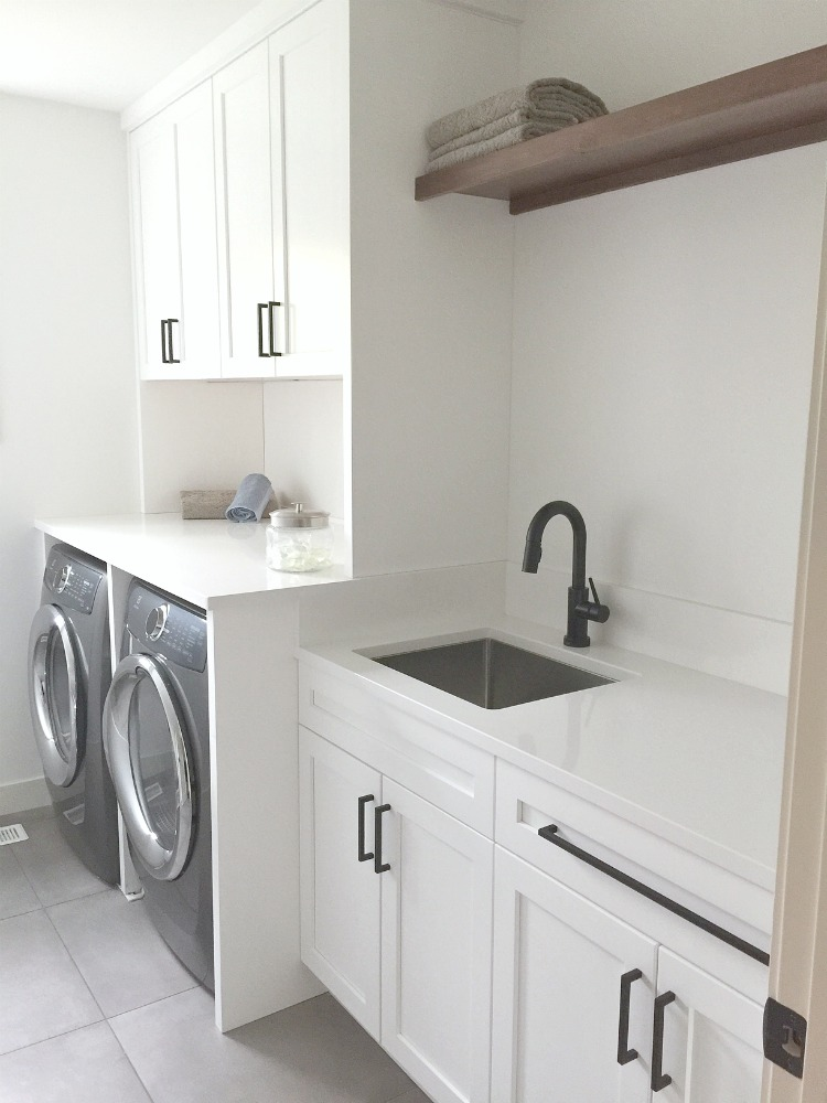 sustainable9-home-tour-laundry-room