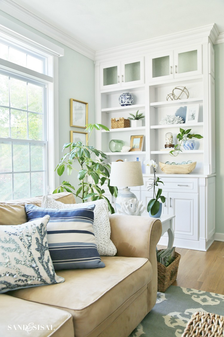 Family Living Room Designs: Summer Blues Coastal Family Room Tour