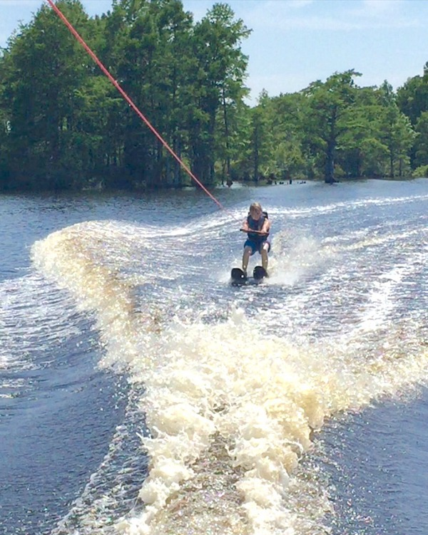 mark-waterskiing