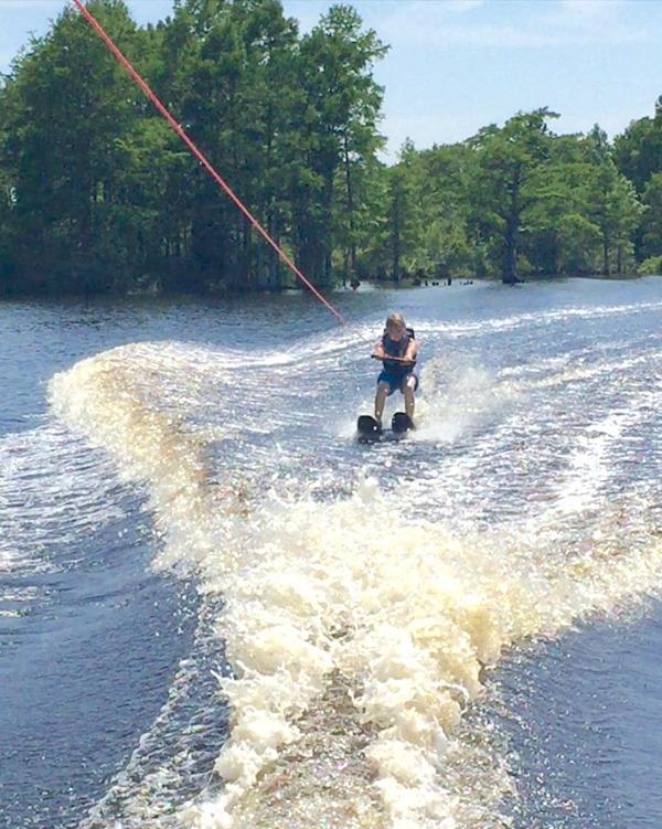 mark-waterskiing