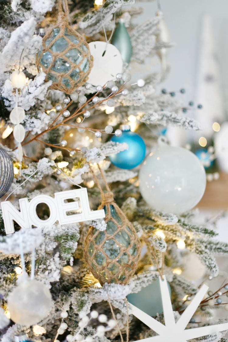 Coastal Christmas Decor - #coastal #ChristmasTree #CoastalChristmasTree #glassfloats #sandandsisal