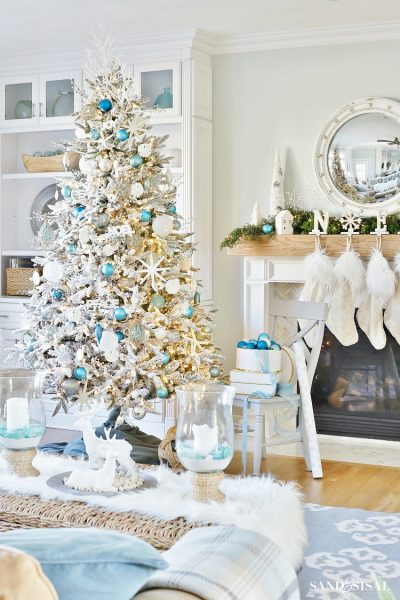 White Coastal Christmas Tree and Family Room Tour