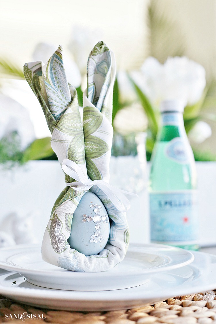 Easter Bunny Napkin Fold And Table Setting Idea Sand And Sisal