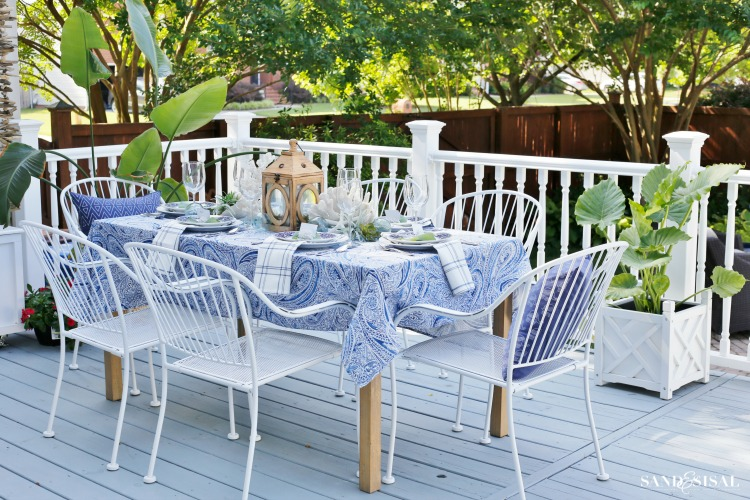 how to create a coastal outdoor dining space