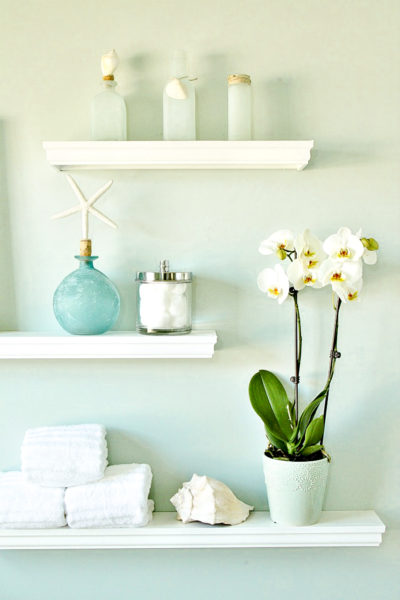 DIY-Floating-Display-Shelves