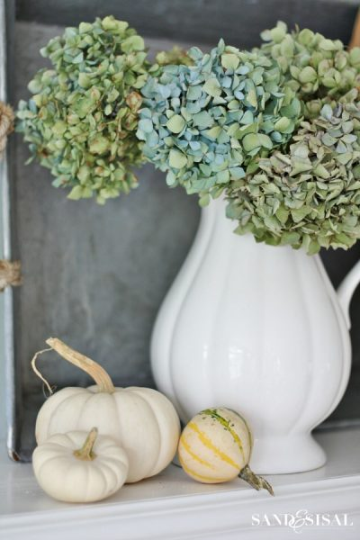 Easy Fall Decorating Ideas with Dried Hydrangeas