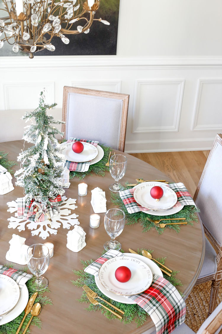 Christmas Table Scape Ideas.Christmas Village Table Setting And Holiday Entertaining Ideas