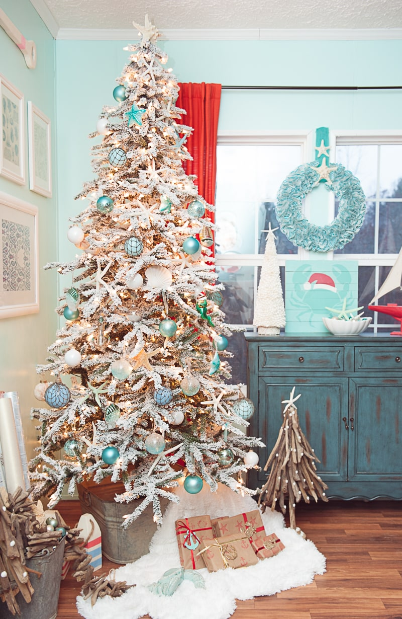 Coastal Christmas Tree - Crafts by Courtney