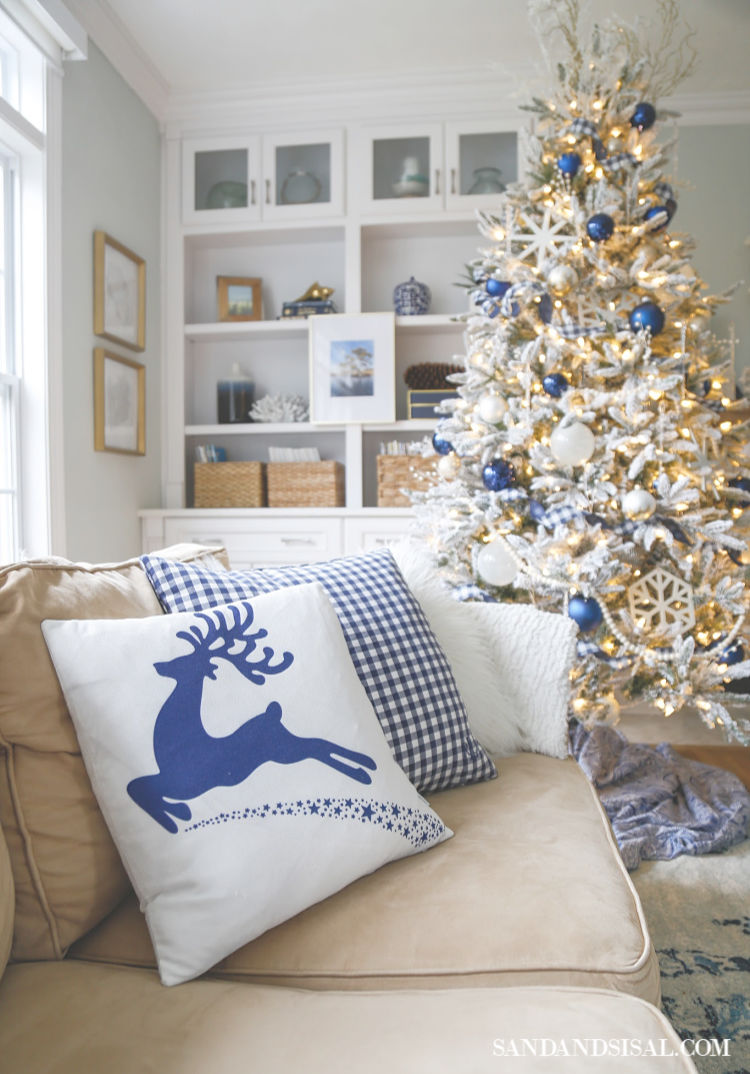 lue Christmas Living Room (1)