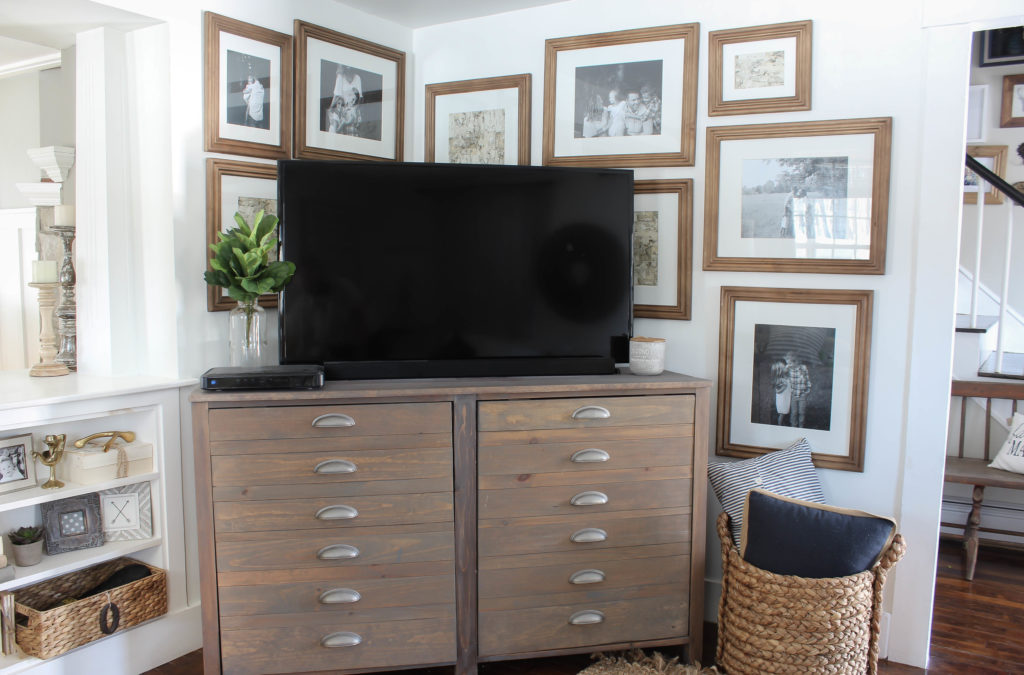 Beautiful And Creative Ways To Decorate Your Tv Wall Sand And Sisal