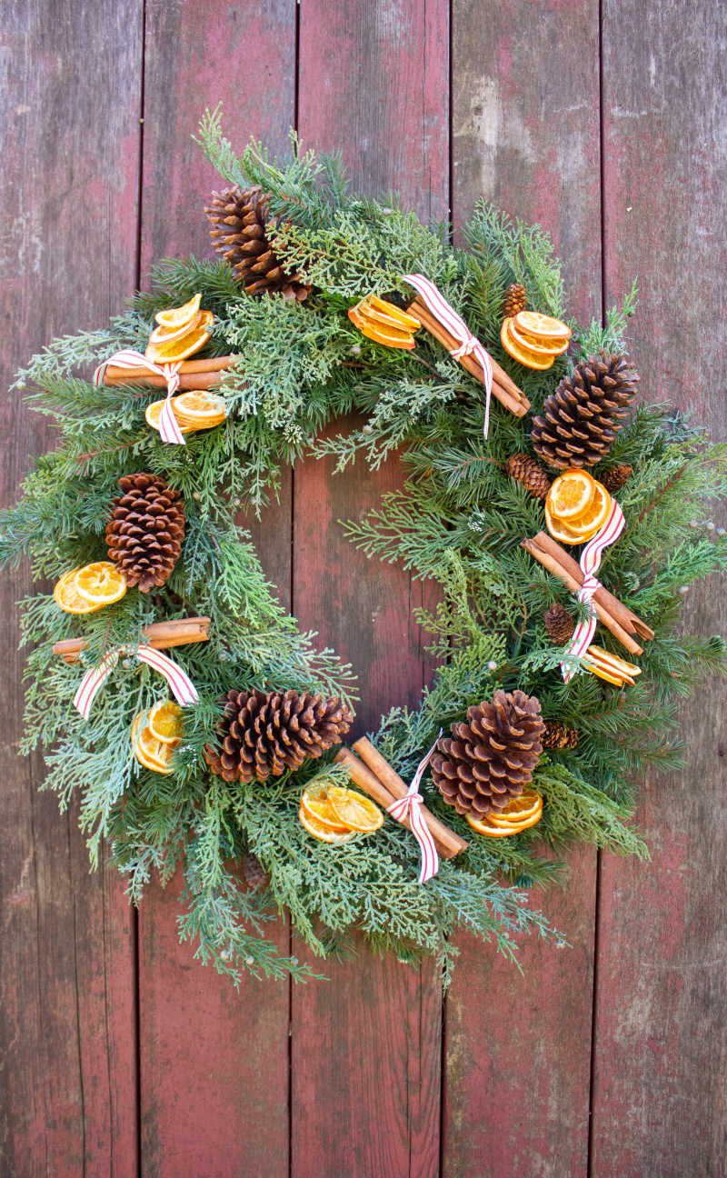 Cinnamon stick and dried orange wreath (1)